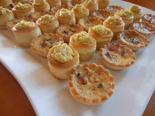 Mini-quiches and curry voulevants